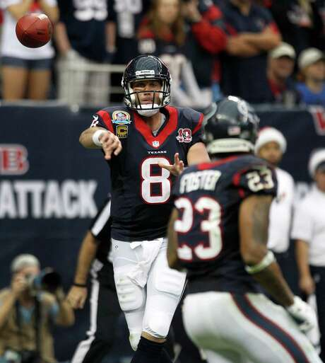 Texans quarterback Matt Schaub (8) senses a confidence in the locker room that was not there last season when the team played its second playoff game. Photo: Brett Coomer, Staff / © 2012  Houston Chronicle