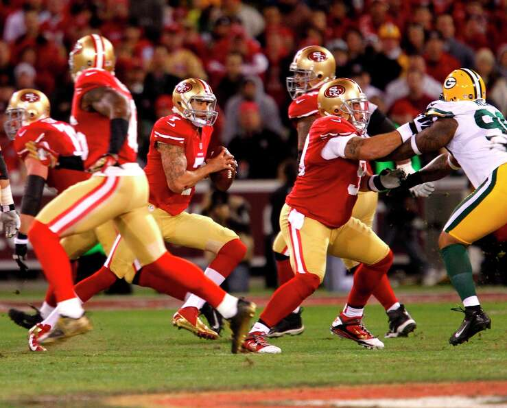 San Francisco 49ers Quarterback Colin Kaepernick (7) in his first post season start during the first