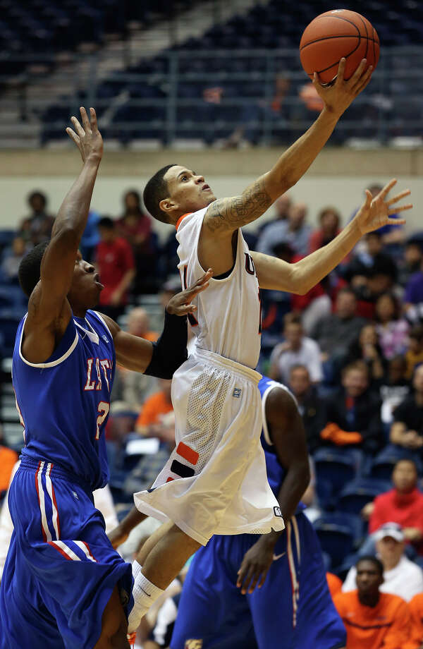 Michael Hale III gets to the bucket in the second half as UTSA plays Louisiana Tech in mens' basketball at the UTSA Convocation Center  on January 12, 2013. Photo: Tom Reel, Express-News / ©2012 San Antono Express-News