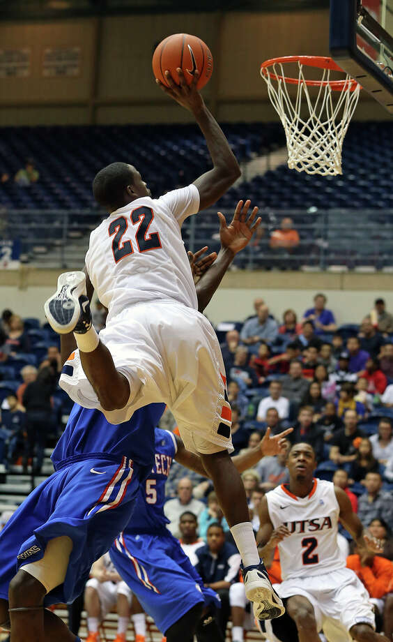 Kannon Burrage skies for two points and a free throw in the second half as UTSA plays Louisiana Tech in mens' basketball at the UTSA Convocation Center  on January 12, 2013. Photo: Tom Reel, Express-News / ©2012 San Antono Express-News