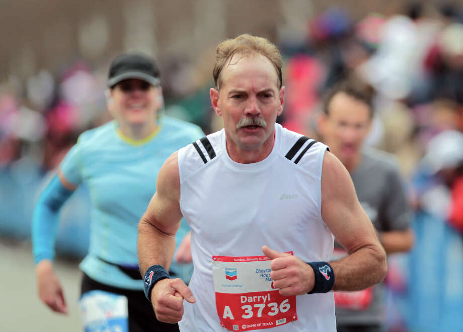 James Shreves nears the finish line. Photo: James Nielsen, Chronicle / © Houston Chronicle 2013