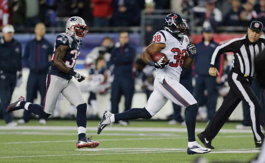 Houston Texans free safety Danieal Manning is chased by New England Patriots free safety Devin McCourty, left, on a 94-yard kickoff return during the first half of an AFC divisional playoff NFL football game in Foxborough, Mass., Sunday, Jan. 13, 2013. (AP Photo/Charles Krupa) Photo: Charles Krupa, Associated Press / AP
