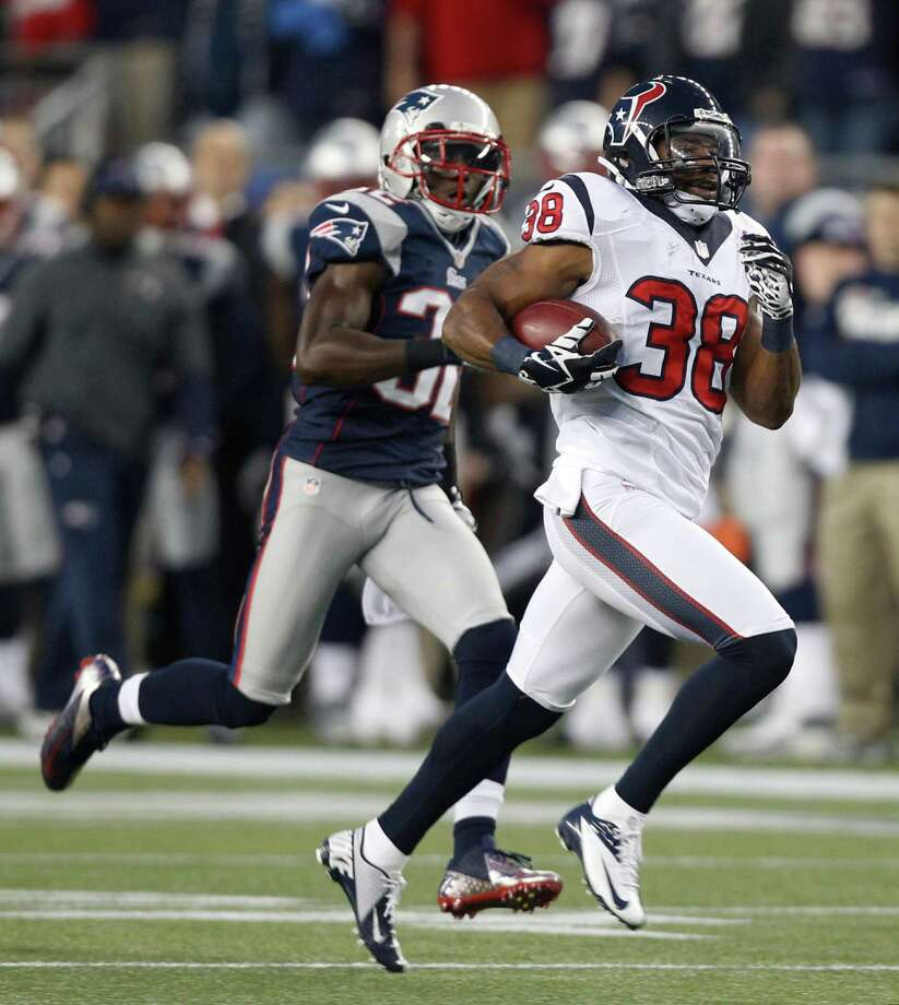 Houston Texans free safety Danieal Manning (38) is chased by New England Patriots free safety Devin McCourty on a 94-yard kickoff return during the first half of an AFC divisional playoff NFL football game in Foxborough, Mass., Sunday, Jan. 13, 2013. (AP Photo/Stephan Savoia) Photo: Stephan Savoia, Associated Press / AP