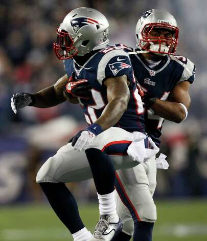 New England Patriots running back Stevan Ridley, left, celebrates his eight-yard touchdown run with teammate Shane Vereen during the second half of an AFC divisional playoff NFL football game against the Houston Texans in Foxborough, Mass., Sunday, Jan. 13, 2013. (AP Photo/Stephan Savoia) Photo: Stephan Savoia, Associated Press / AP