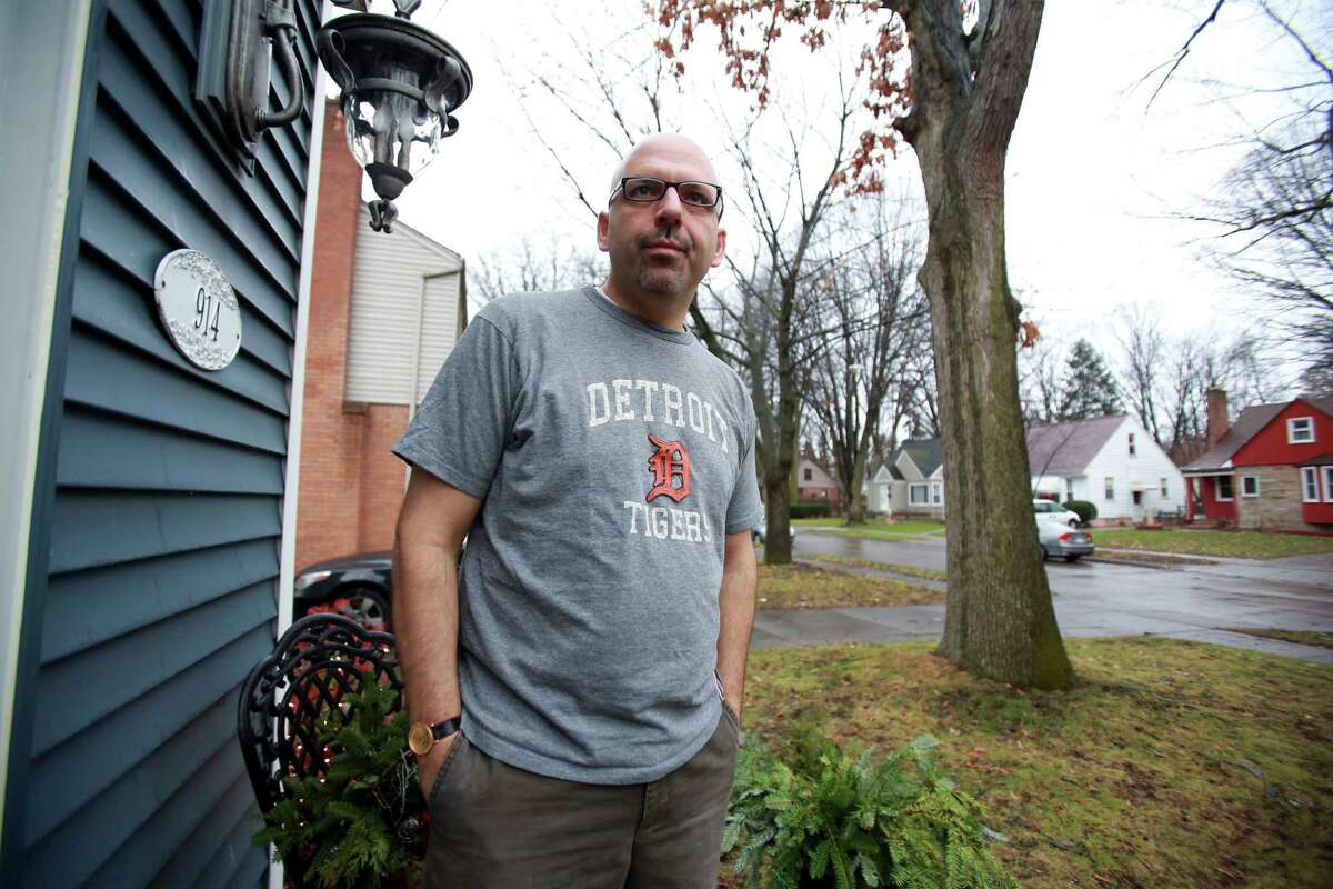 Doug Anter, 46, posted the news of his father's death on Facebook. He said he felt fortunate for the support that followed.