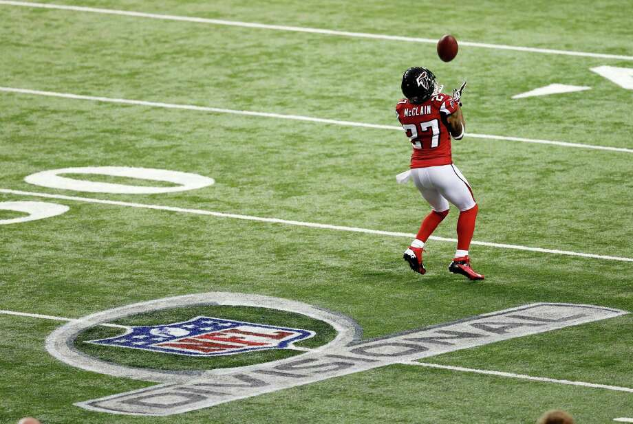 Atlanta Falcons' Robert McClain catches a ball before the first half of an NFC divisional playoff NFL football game against the Seattle Seahawks Sunday, Jan. 13, 2013, in Atlanta. Photo: AP