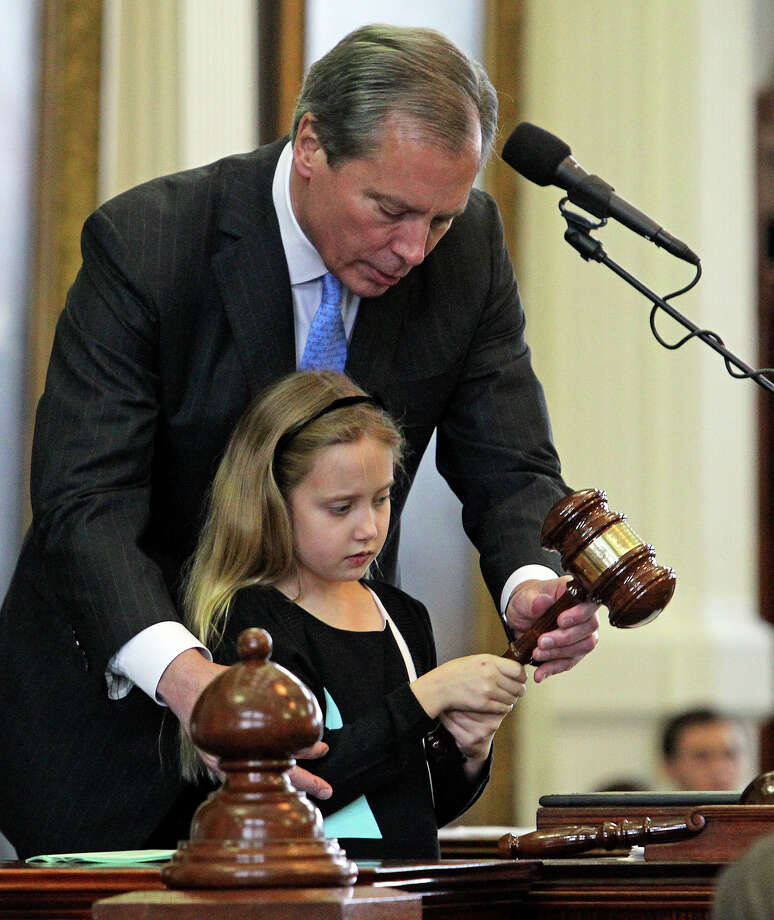 Lt. Governor David Dewhursts helps his daughter Caroline gavel in the session at the opening of the 83rd Legislative Session in Austin on January 8, 2013. Photo: Tom Reel, San Antonio Express-News / ©2012 San Antono Express-News