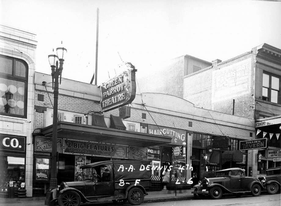 The Green Parrot on First Avenue near the Pike Place Market, 1937. (Seattle Municipal Archives)
