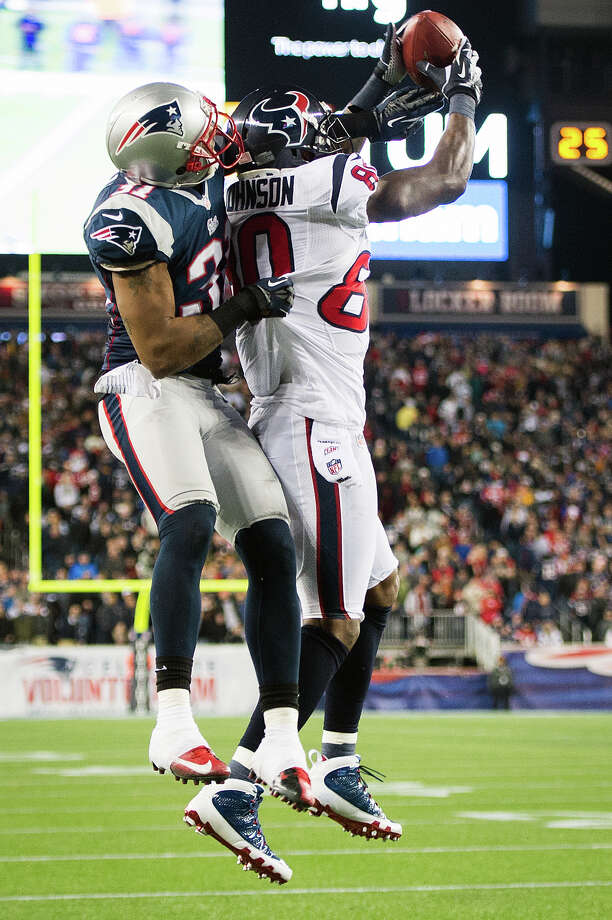 Texans wide receiver Andre Johnson (80) makes a catch for a two-point conversion during the fourth quarter. Photo: Smiley N. Pool, Houston Chronicle / © 2013  Houston Chronicle
