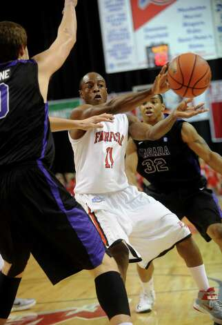 Fairfield v. Niagara men's basketball at the Webster Bank Arena in Bridgeport on Sunday, January 13, 2013. Photo: Brian A. Pounds