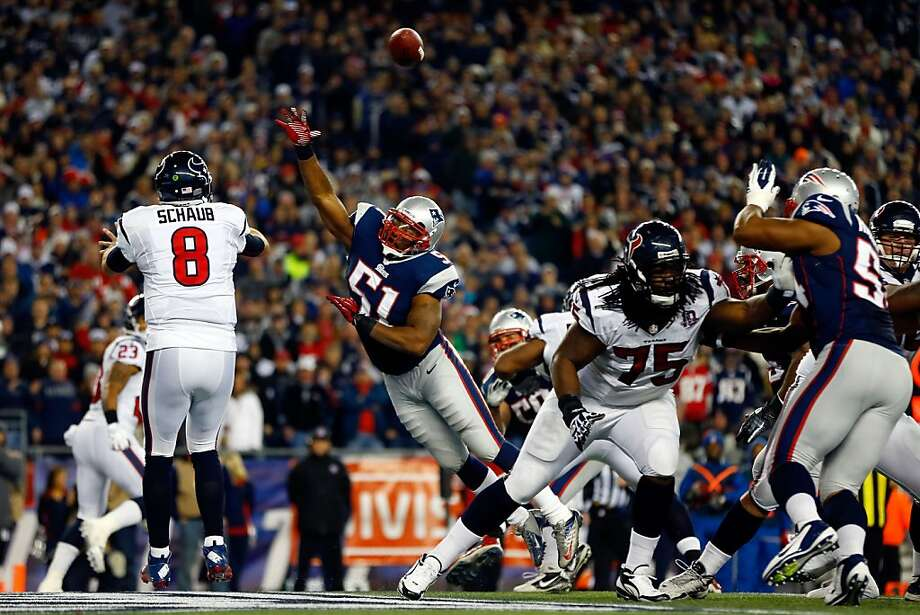 FOXBORO, MA - JANUARY 13:  Matt Schaub #8 of the Houston Texans passes against Jerod Mayo #51 of the New England Patriots during the 2013 AFC Divisional Playoffs game at Gillette Stadium on January 13, 2013 in Foxboro, Massachusetts.  (Photo by Jared Wickerham/Getty Images) Photo: Jared Wickerham, Getty Images