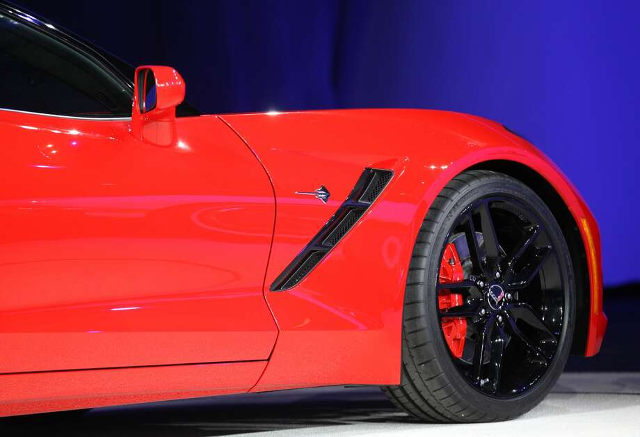 Better wheels and wider chassis: Wheels and the chassis might not be the most exciting elements of the Corvette, but the improved features can impact the car's performance. GM ditched its steel chassis for a longer and wider aluminum chassis. The car's standard tires will be switched from Goodyear to Michelin Super Sport tires.  