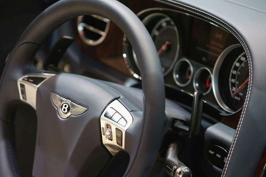 DETROIT, MI - JANUARY 14:  A Bentley emblem graces the steering wheel of the 202 MPH Bentley Contine