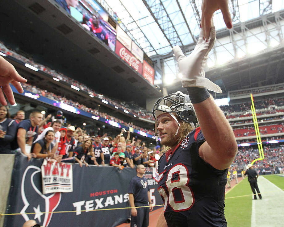 2 -Winning streaks of at least five games by the Texans. Photo: Karen Warren / © 2012  Houston Chronicle