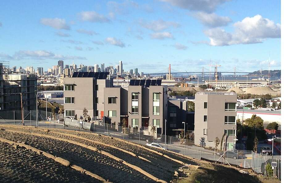 The first phase of the new Hunters View community replaces barrack-like public housing buildings with new structures that conform to the hillside and are treated to skyline views. Photo: Roselie Enriquez, Paulett Taggart Architects