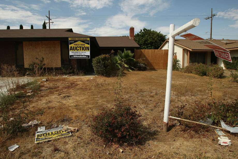 Across the country, about 12.4 percent of all homes are vacant -- that's about 16.2 million homes. Click through to see how Washington compares, and which Washington ZIP codes are home to the most and fewest empty houses. Photo: David McNew, / / 2008 Getty Images