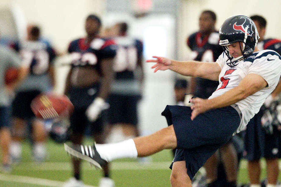 Name:Donnie JonesAge: 32Experience: 9 yearsPosition: PunterFree-Agent Status: Unrestricted Photo: Brett Coomer / © 2012 Houston Chronicle