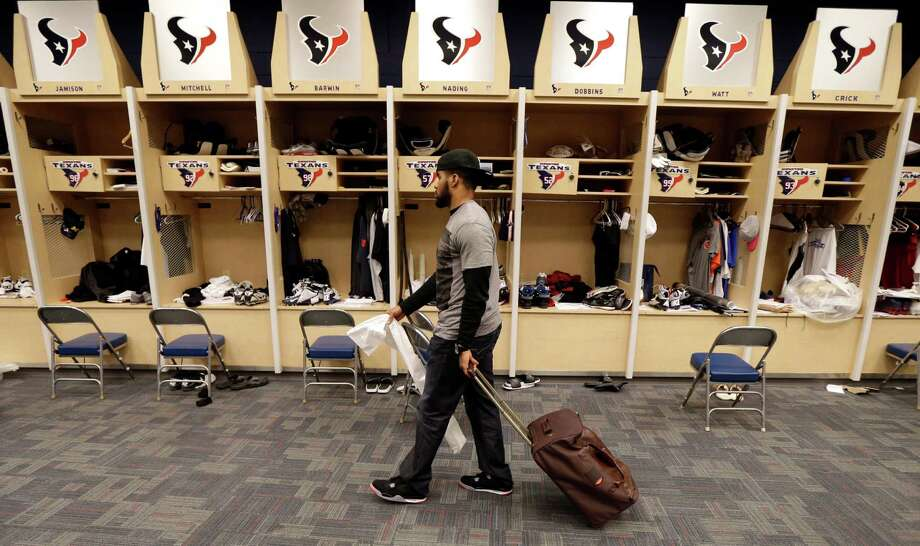 Instead of beginning preparations for the AFC Championship Game, Texans players like safety Quintin Demps were left to pack up on Monday after a second consecutive loss in the divisional round of the playoffs. Photo: David J. Phillip, STF / AP