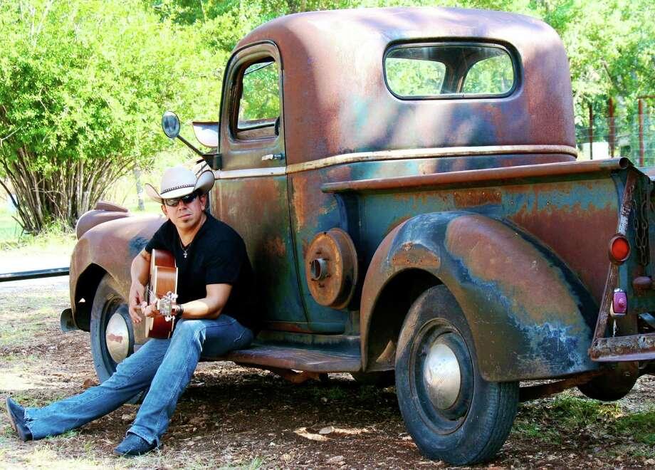 San Antonio country singer Mario Flores Photo: Courtesy Photo