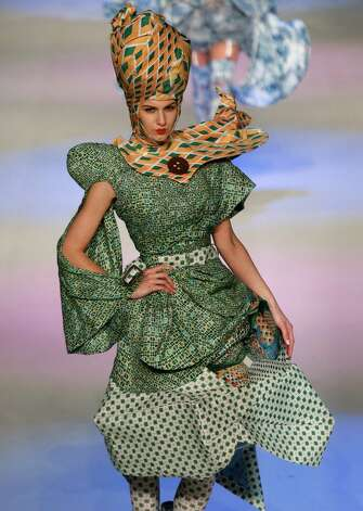 Hong Kong Fashion Week is going on now, and we just can't ignore the 