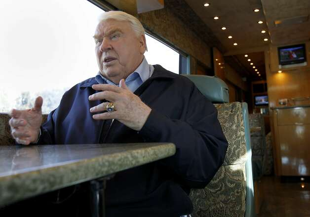 "John Madden, the Pro Football Hall of Fame coach and former TV analyst, says of the 49ers, ""They're the best offensive line. ... That Mike Iupati, I wouldn't want to line up against him."" Photo: Brant Ward, The Chronicle"
