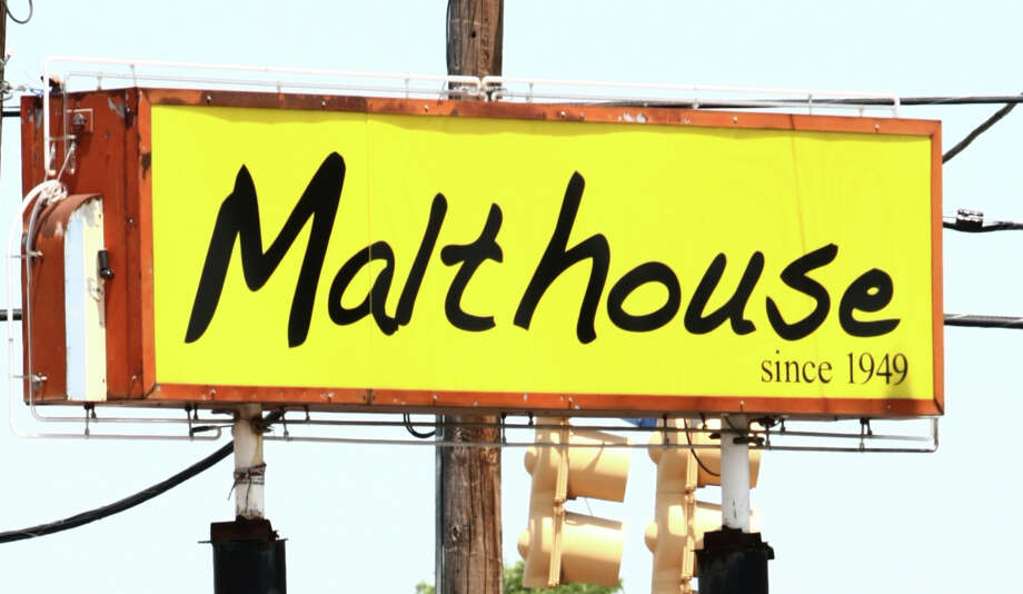 Malt House Restaurant, 115 S Zarzamora Photo: JUANITO M GARZA, San Antonio Express-News / San Antonio Express-News
