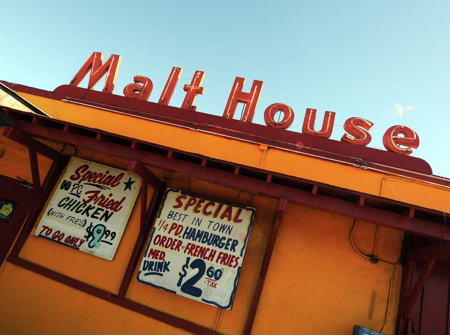 Malt House: 115 S. Zarzamora St., 210-433-8441, themalthouse.cc  Notable: A West Side favorite since 1947.  Photo: ROBIN JERSTAD, For The San Antonio Express-News / SAN ANTONIO EXPRESS-NEWS