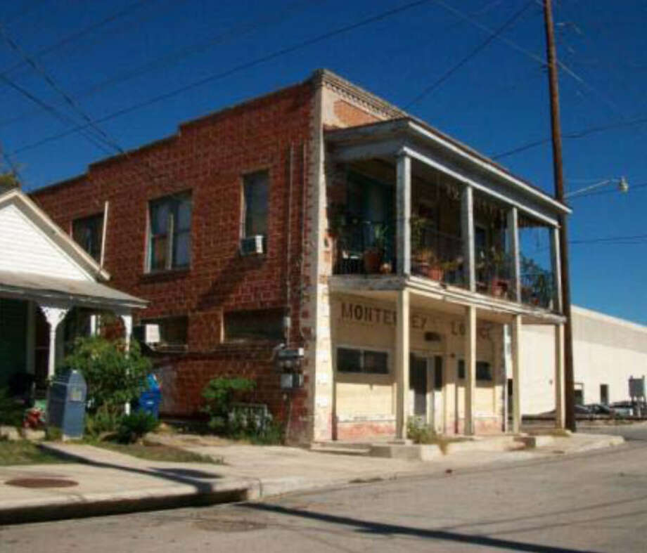 Building (401 Arbor Place), 1001 N. San Marcos. Photo: Courtesy Photo / San Antonio Historic Design And Review Commission