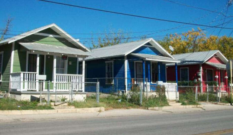 Guadalupe Street shotgun houses, 1115 Guadalupe St. Photo: Courtesy Photo / San Antonio Historic Design And Review Commission