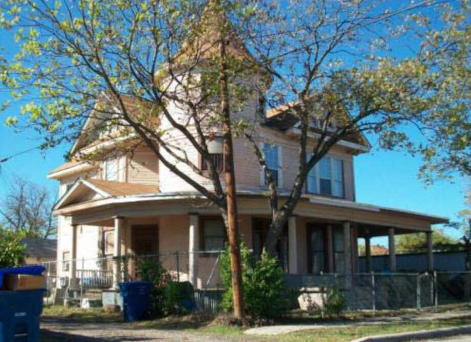 House, 107 S. Elmendorf. Photo: Courtesy Photo / San Antonio Historic Design And Review Commission