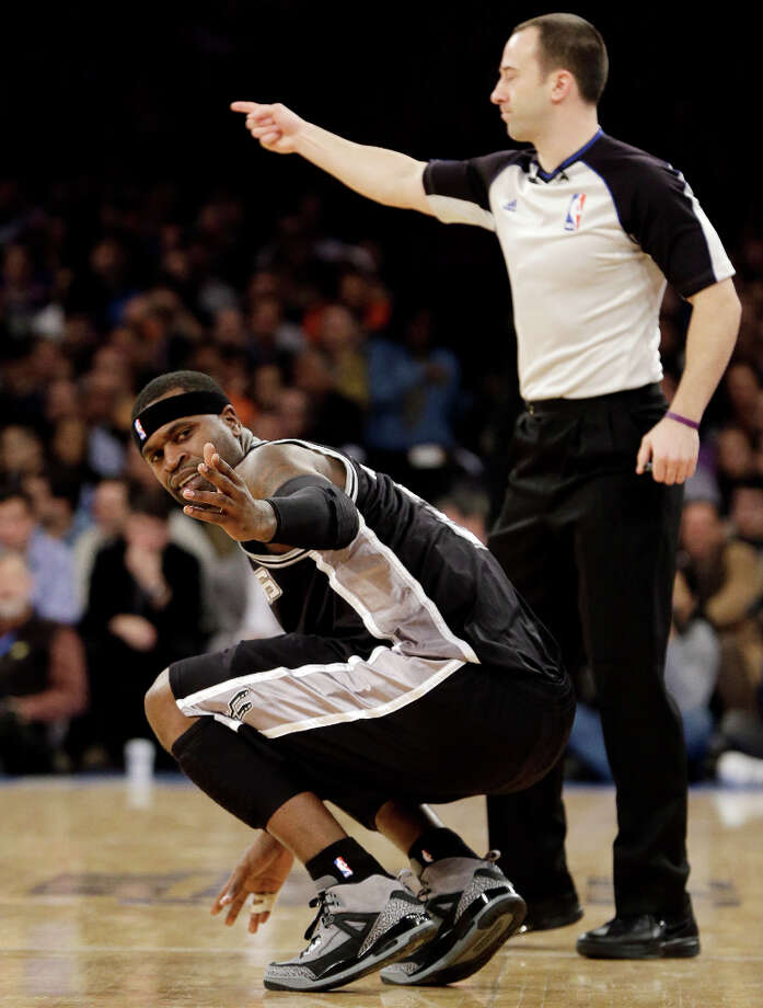 Mayoral mishapEarly in a Jan. 3 loss to the Knicks at Madison Square Garden, Stephen Jackson trips over a courtside waitress taking an order from New York mayor Michael Bloomberg, spraining his right ankle.PHOTO: Jackson gestures toward the sideline after spraining his right ankle when he took a shot then fell back into a waitress in the first half against New York on Jan. 3. The Knicks won 100-83. Photo: Kathy Willens, Associated Press / AP