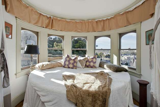 A cylindrical bedroom provides a 280-degree view. Photo: OpenHomesPhotography.com