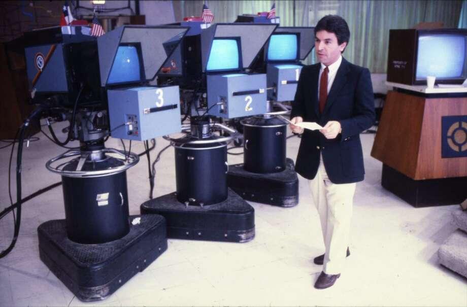 Channel 13 sportscaster Bob Allen in KTRK studio in 1984. Photo: Audrey Ueckert, Houston Chronicle / Houston Post files