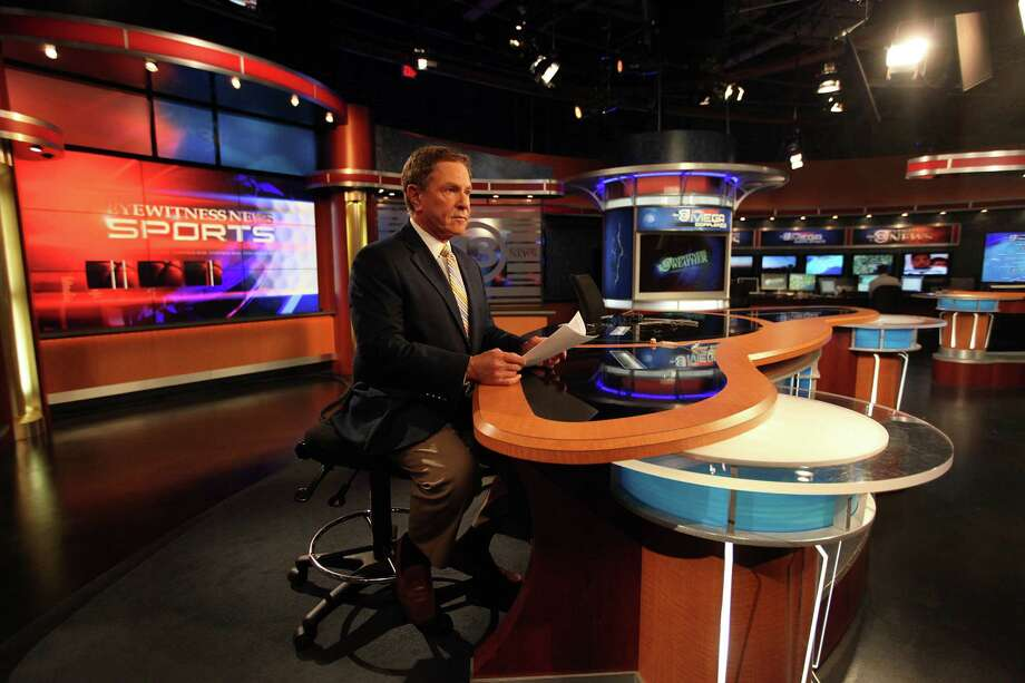 Bob Allen, Channel 13 Sports Anchor, reads over his script in the  studio. Photo: Mayra Beltran, Houston Chronicle / © 2013 Houston Chronicle