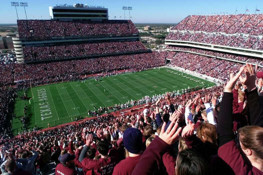 A sea of maroon covers Kyle Field during the Texas-Texas A&M game on Nov. 26, 1999. Photo: Edward A. Ornelas, San Antonio Express-News / SAN ANTONIO EXPRESS-NEWS