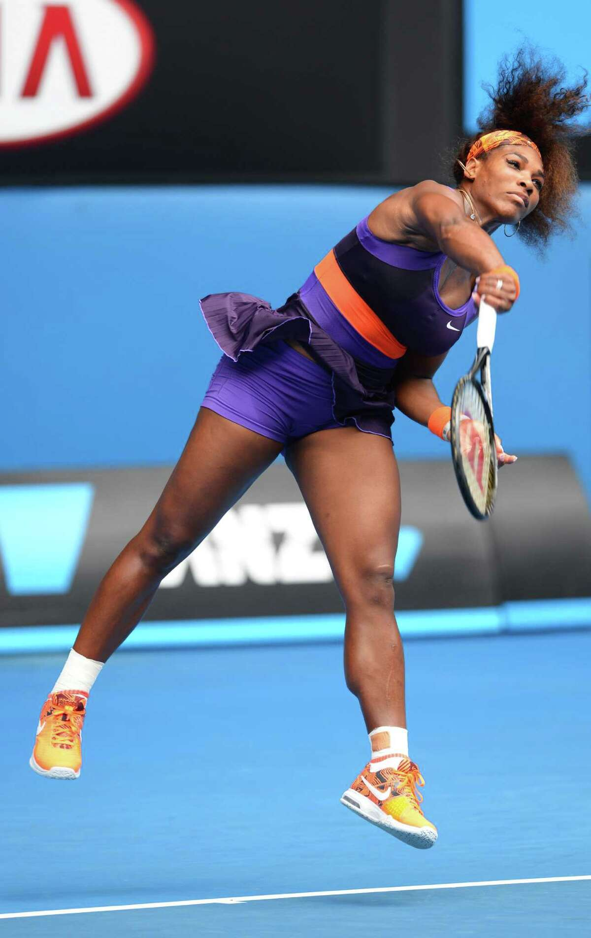 Serena Williams showed no ill effects from the fall she took Tuesday, beating Garbine Muguruza on Thursday in a second-round match.