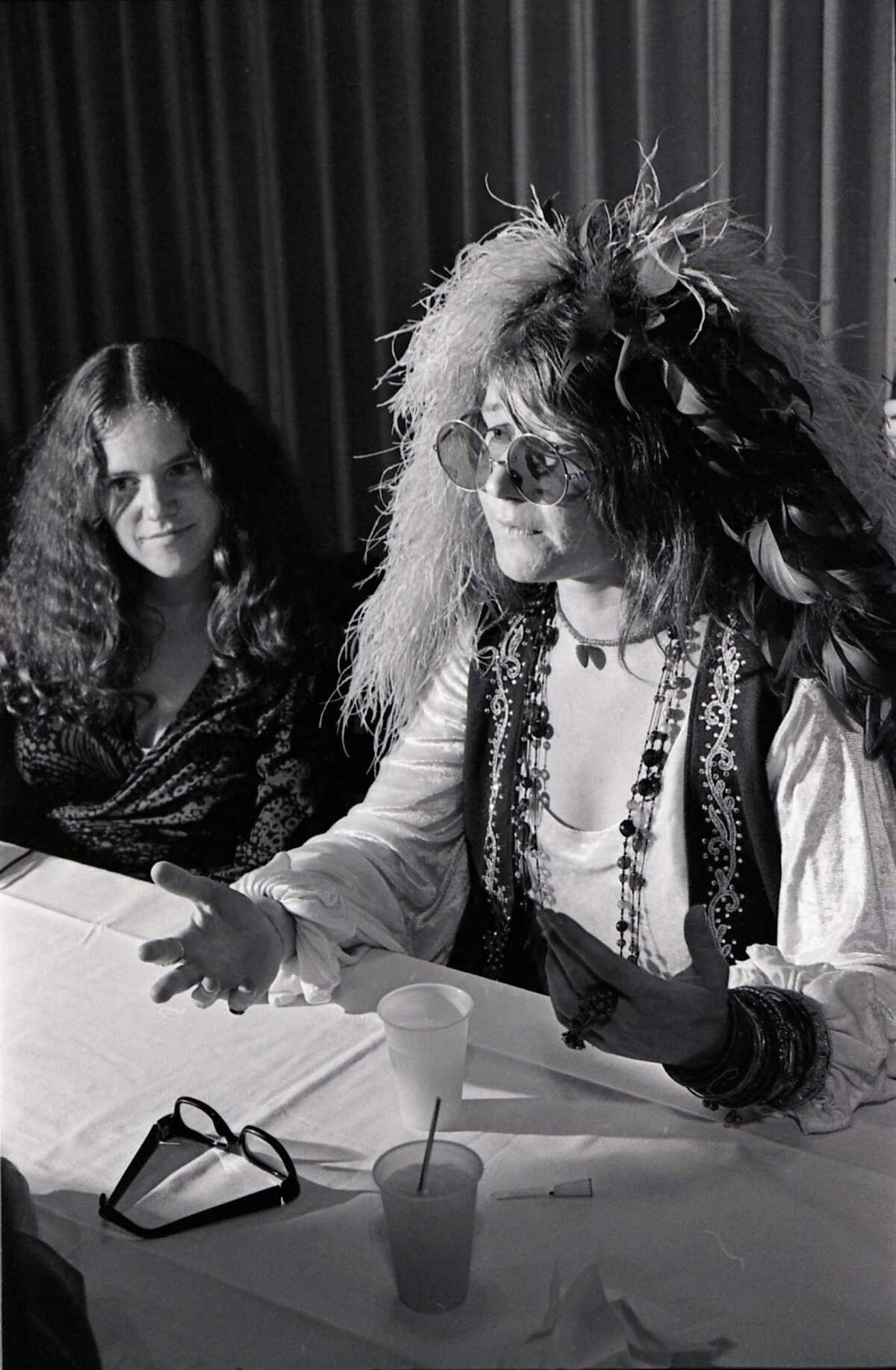 08/15/1970 - singer Janis Joplin at a press conference held before her high school reunion at the Goodhue Hotel in Port Arthur, Texas, August 15, 1970. It was the tenth year reunion for the Thomas Jefferson High School class of 1960. Sitting with Joplin is her sister, Laura. David Nance / Houston Chronicle