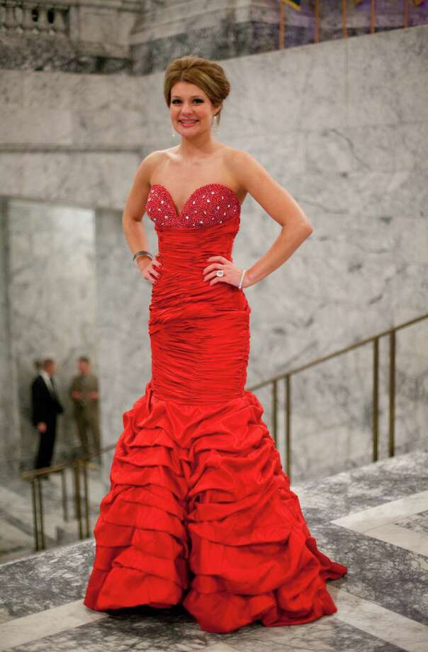 Chelsea Dehart is shown in a eye-catching red dress. Photo: JOSHUA TRUJILLO, SEATTLEPI.COM / SEATTLEPI.COM