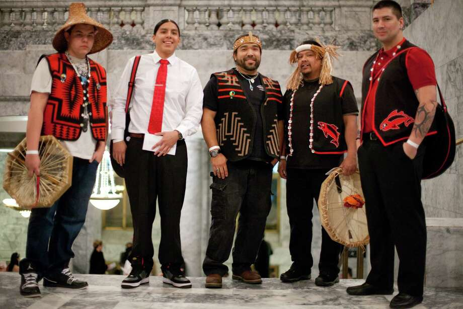 From left, Rueben Chum, Gabe Higheagle, Hanford McCloud, Walter Lewis and James Cayenne ready for a ceremony in the Rotunda. Photo: JOSHUA TRUJILLO, SEATTLEPI.COM / SEATTLEPI.COM