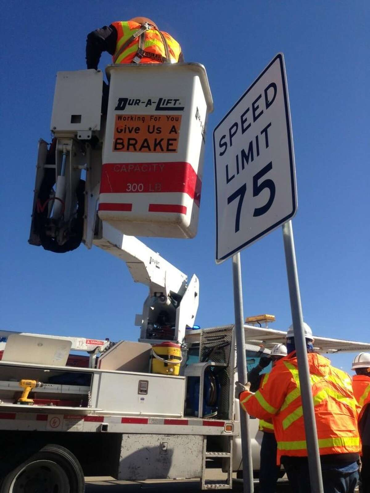 The Texas Department of Transportation is installing new 75 mph speed limit signs along Texas 6 in Bryan-College Station.