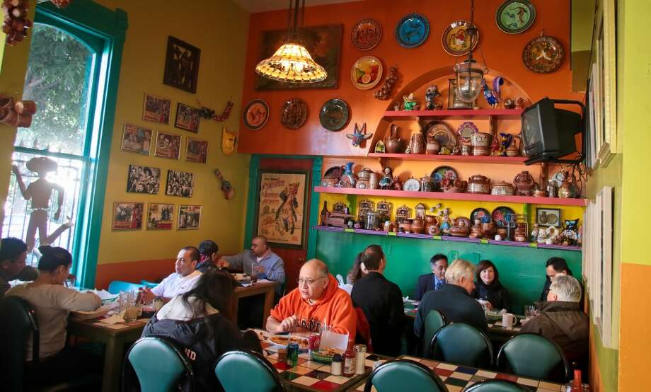 Diners enjoy lunch at San Jalisco.