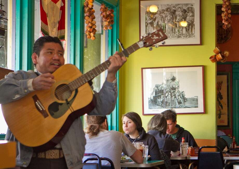 Diners are serenaded during lunch.