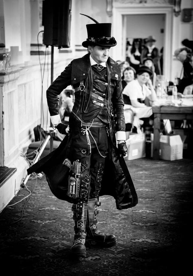 A steampunk Gothic dandy. (Martin SoulStealer/Flickr) Photo: Multiple