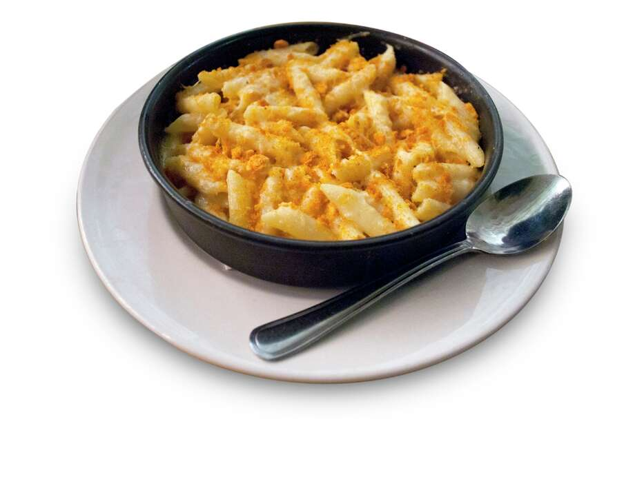 Macaroni and Cheese at Uno Chicago Grill: 1,980 calories, 71 grams of saturated fat, 3,110 milligrams of sodium. This dish has more calories than all but one individual pizza on Uno's menu, and more saturated fat than any pizza.