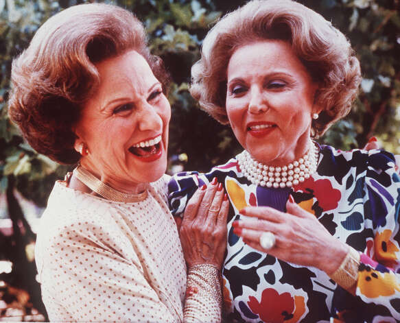 "** FILE ** Advice columnist Ann Landers, right, and her twin sister Pauline, who also wrote an advice column as Dear Abby, are shown in a file photo from June 1986, at their 50th high school reunion in Sioux City, Iowa. Landers, whose snappy, plainspoken and timely advice helped millions of readers deal with everything from birth to death, died Saturday, June 22, 2002. She was 83. The death of Landers, whose real name was Esther Lederer (born Esther ""Eppie"" Friedman), was announced by the Chicago Tribune, publisher of her column. According to the Tribune, Landers died of multiple myeloma in her Lake Shore Drive apartment. Photo: JOHN GAPS III, AP / AP"