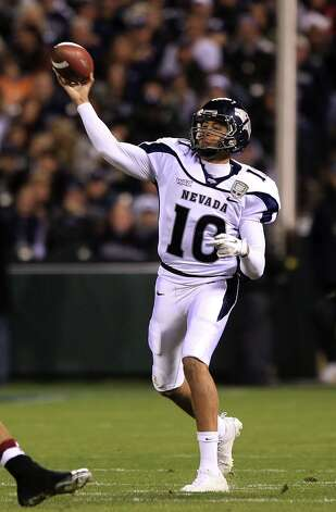 Colin Kaepernick #10 of the Nevada Wolf Pack throws the ball against Boston College during the Kraft Fight Hunger Bowl at AT&T Park on January 9, 2011 in San Francisco, California. Photo: Ezra Shaw, Getty Images / ONLINE_YES