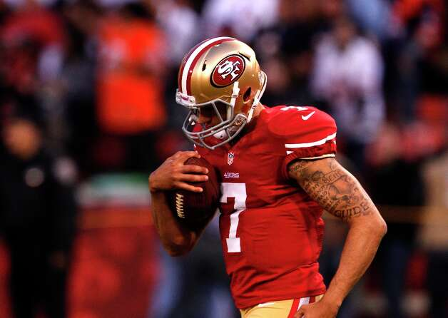 Kap warms up before his first NFL start. The 49ers beat the Chicago Bears 32-7. Photo: Carlos Avila Gonzalez, The Chronicle / ONLINE_YES