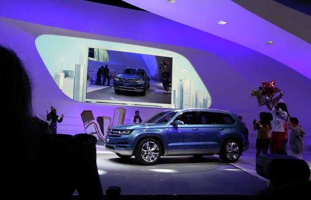 Volkswagen debuts the CrossBlue mid-size SUV concept, a six-seater with an innovative diesel electric plug-in hybrid powertrain at the 2013 North American International Auto Show at Cobo Center on Monday, January 14, 2013. (Jessica J. Trevino/Detroit Free Press/MCT) Photo: JESSICA J. TREVINO, McClatchy-Tribune News Service / Detroit Free Press