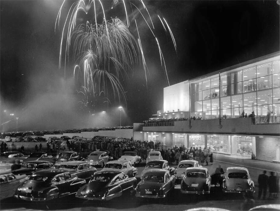 Was Northgate Mall the first shopping mall in America?