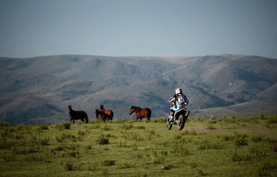 Yamaha's rider Vincent Guindani of France competes during the Stage 9 of the Dakar 2013 between Tucuman and Cordoba, Argentina, on January 14, 2013. The rally takes place in Peru, Argentina and Chile between January 5 and 20. Photo: FRANCK FIFE, AFP/Getty Images / 2013 AFP